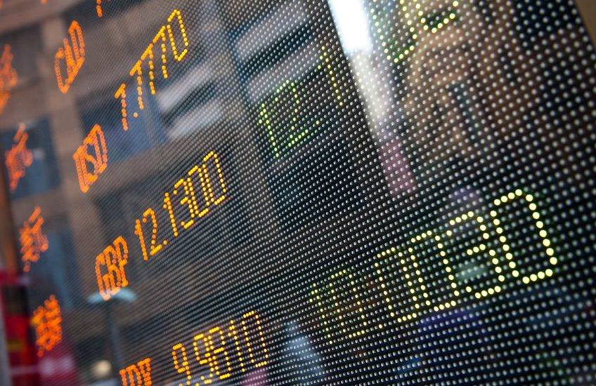Market Preview: Markets Lower on China Weakness, Big Bank Earnings This Week